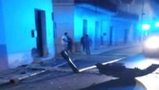 Lecce, incidente stradale a Guagnano: due ventenni finiscono contro un palo della luce