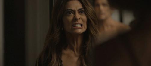 A boleira vai resolver a traição atirando no marido. (Reprodução/ TV Globo)