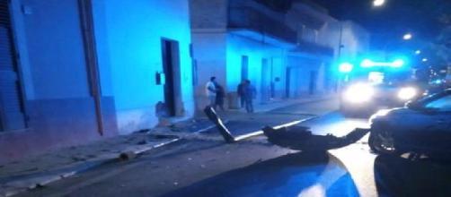 Lecce, incidente stradale a Guagnano: due ventenni finiscono contro palo della luce