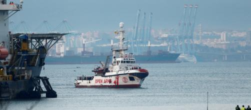Open Arms: Pedro Sánchez ofrece el puerto más próximo al buque