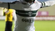 Bragantino e Coritiba vencem fora de casa e seguem na ponta da Série B