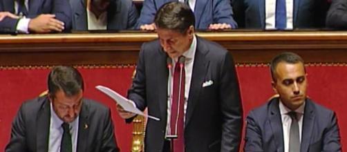 Crisi di Governo: Conte al vetriolo su Salvini, le dimissioni del premier