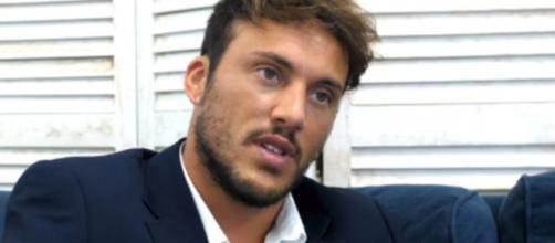 Giulio Raselli, ex U&D, sull'avvistamento con una mora: 'Era sulle mie gambe, quindi?'