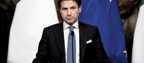 Governo: Conte bacchetta Salvini e va al Colle, la notizia ha già fatto il giro del mondo