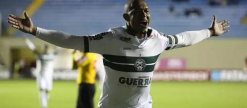 Rodrigão voltou a deixar sua marca na vitória do coxa. (Reprodução/Assessoria Coritiba)