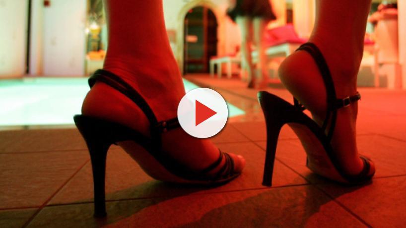 Prostitution dans la télé-réalité : d'anciennes candidates 'choisies' par des footballeurs
