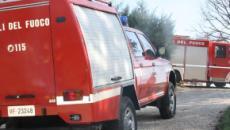 Tuturano, incendio in un canneto minaccia una masseria: animali salvati dai pompieri