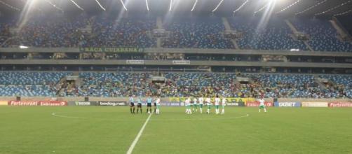 Apenas jogadores do Cuiabá subiram ao gramado. (Arquivo Blasting News)