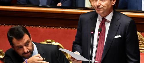 Crisi di governo: Conte processa Salvini e lascia, il Colle: 'soluzione rapida'