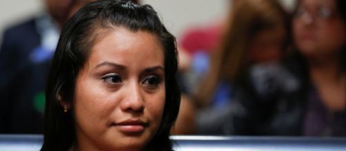 El Salvador: absuelven a la mujer acusada por abortar tras una violación