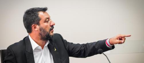 Governo: Pd pronto a trattare con M5S, Salvini: 'Parlano di poltrone, noi di manovra'