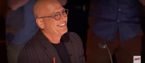 Howie Mandel marked 10 years on 'America's Got Talent' while 12 acts awaited America's vote to the semifinals. [Image source: AGT/YouTube]