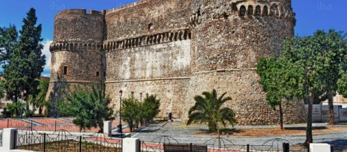 Reggio Calabria: festa di compleanno al Castello Aragonese, il video denuncia diventa virale