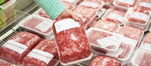 Spagna, allarme listeria nella carne macinata: una vittima e 150 contagiati | 105.net