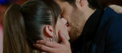 Bitter Sweet, trama episodio 62: l'Aslan e la Piran si baciano appassionatamente