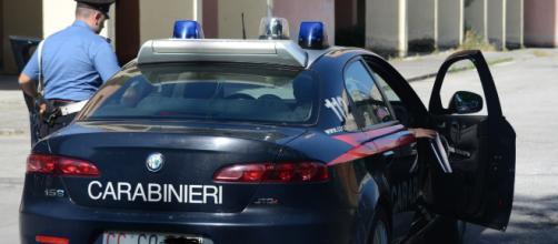Brindisi, 21enne ai domiciliari per aver picchiato genitori e sorella evade: arrestato