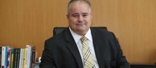 Henrique Pires declarou que sua saída é uma reação contra a censura de projetos com temática LGBT. (Arquivo Blasting News)