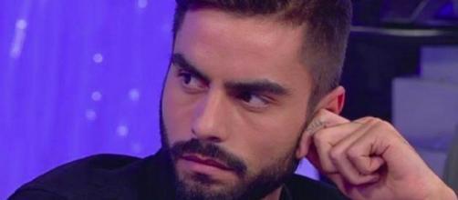 Uomini e Donne, Mario Serpa attacca Raffaella Mennoia