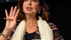 Boldrini contro Salvini: 'Prova a chiudere Facebook e a farti una passeggiata'