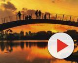 Ponte sobre os Lagos do Ibirapuera: parque faz 65 anos com várias atrações culturais e esportivas. (Arquivo Blasting News)