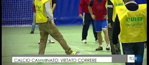 Calcio camminato: vietato correre