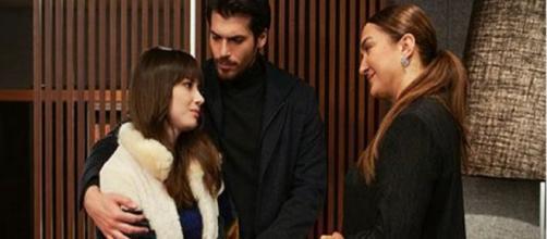 Dolunay, trame: Ferit teme di essere stato lasciato da Nazli a causa di sua madre Leman