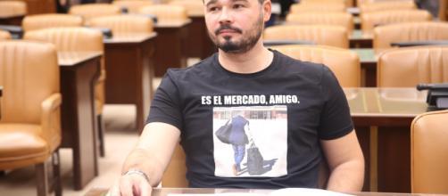 Gabriel Rufíán contesta a Bertín Osborne sobre el feminismo