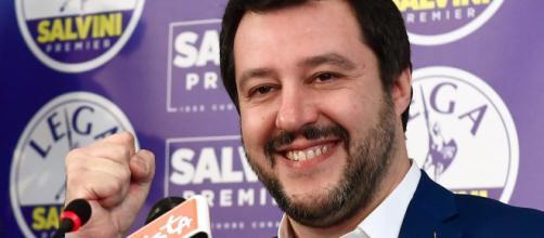 Conte chiude con la Lega, ma Salvini non si arrende: sms con Di Maio