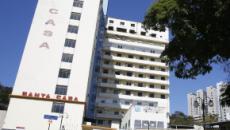Hospital que operou Bolsonaro após facada ainda espera R$ 2 mi que ele prometeu