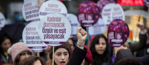 Un hombre mata a su expareja delante de su hija en Turquía
