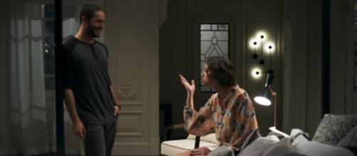 Téo (Rainer Cadete) estará mais próximo de Josiane (Aghata Moreira) e será manipulado pela vilã. (Reprodução/Rede Globo)