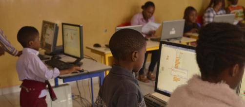 Cameroun : 70 enfants à l'école des métiers de la Technologie. - geniuscenters.com