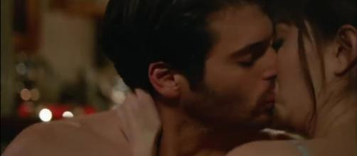 Bitter Sweet puntate settimanali al 6 settembre: Nazli si concede a l'Aslan.