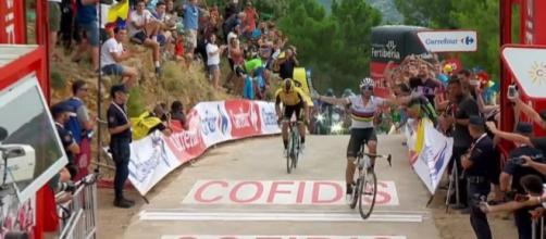 Vuelta Espana: Valverde conquista la settima tappa, bella prova di Aru