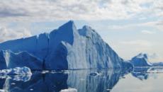 Groenlandia, ghiaccio si scioglie troppo velocemente: a luglio persi 197 mld di tonnellate