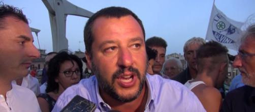 Matteo Salvini a Cervia: scontro con il giornalista di Report sul Russiagate