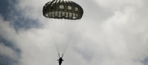 Potenza, non si apre il paracadute: muore un uomo di 45 anni