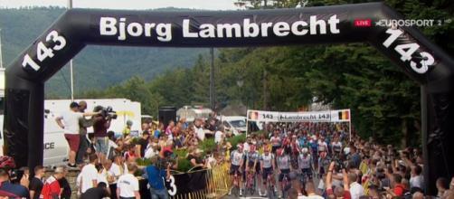 Il Giro di Polonia ricorda Bjorg Lambrecht neutralizzando la quarta tappa