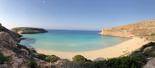 Il mare della spiaggia dei Conigli a Lampedusa