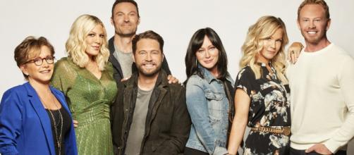 Beverly Hills 90210 : le générique du soap dévoilé