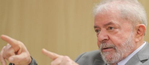 Remoção do ex-presidente foi decidida nesta quarta-feira pela Justiça Federal em Curitiba. (Arquivo Blasting News)