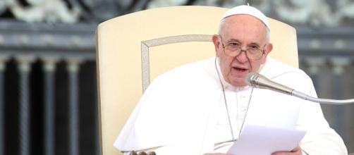 Vaticano, papa Francesco: 'Chiesa povera e senza frontiere'