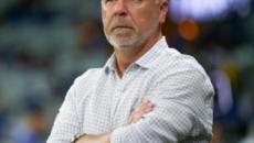 Mano Menezes é demitido do Cruzeiro após derrota