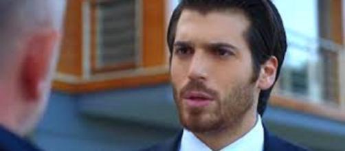 Dolunay, puntata del 9 agosto: Ferit rischia di essere arrestato a causa di Hakan