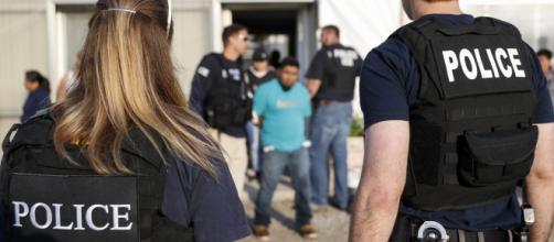 ICE intensificó las redadas de migrantes en el estado de Mississippi. - univision.com