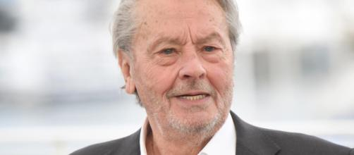 Alain Delon, 83 anni, ha rischiato di morire: colpito da un ictus, è convalescente in una clinica svizzera.