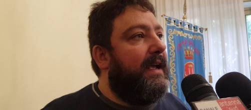 Brindisi, controversia in comune: assunta moglie di presunto collaboratore di un assessore