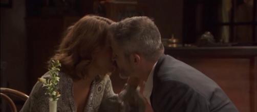 Il segreto, Alfonso e Emilia tornano in città