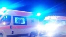 Calabria, tragico schianto fra due auto: un anziano morto e una donna ferita