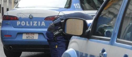 Brindisi, 19enne ucciso con tre colpi d'arma da fuoco alla testa per strada